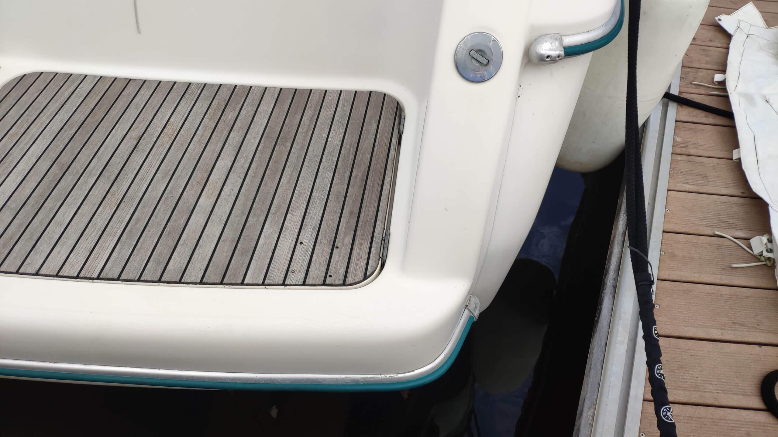 nettoyage & blanchiment jupe arrive prestique 36 latitude nautique (2)
